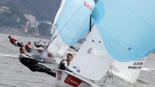Fernanda Oliveira e Ana Barbachan, velejadoras do Clube dos Jangadeiros. Crédito Fred Hoffmann