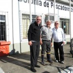 Comodoro Dr. Manuel Rattkay Pereira, Presidente da Colônia dos Pescadores Vilmar Coelho e o Vice-Comodoro Administrativo Pedro Pesce
