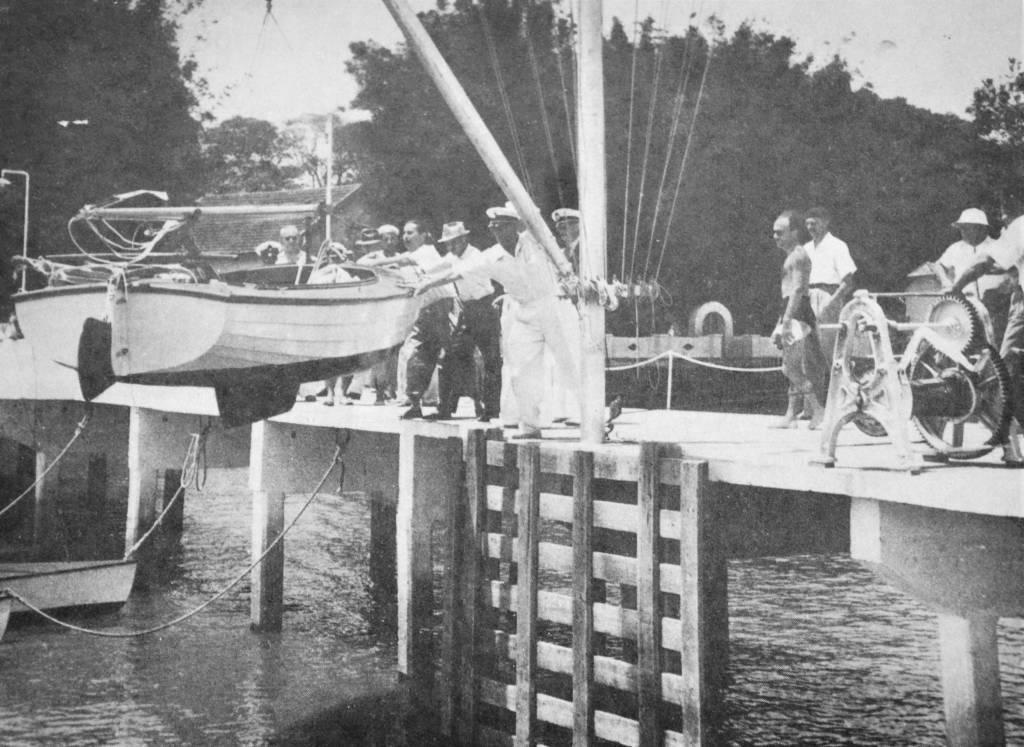 O Gaivota, classe Jangadeiro de Zoltan Kallai, é lançado à água
