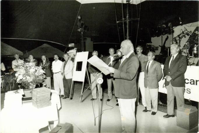 Edmundo Soares discursando na Festa do Cinquentenário (1991)